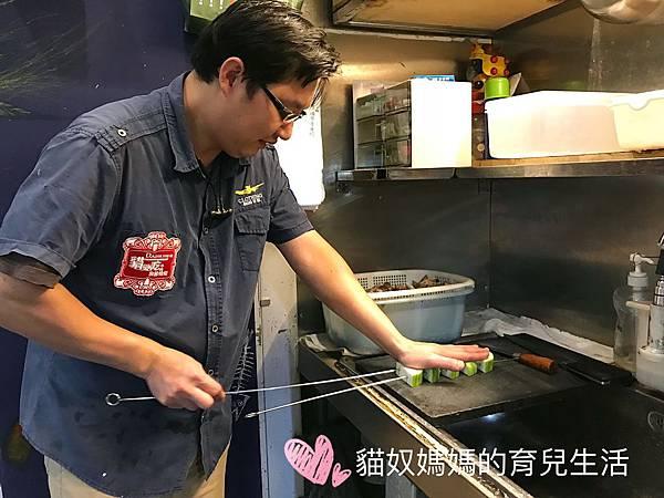 30廚師料理過程.jpg