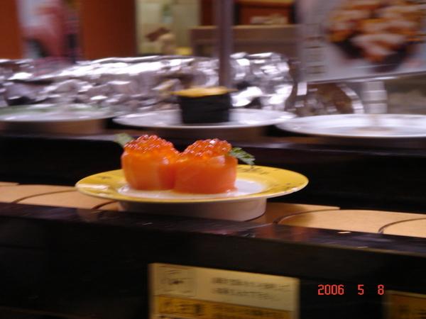很美的大魚卵壽司   但我不愛