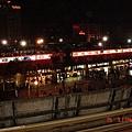 從捷運站看下去之夜景