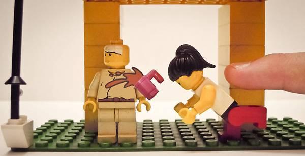 Lego Romance 05_2.jpg