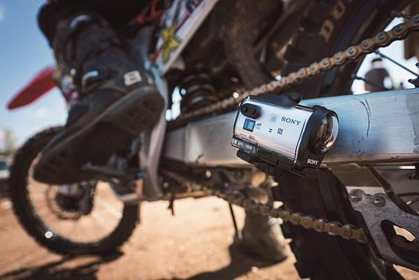 圖4. Sony Action Cam Mini【HDR-AZ1VR】能征服所有動態拍攝需求,為上山下海的歷險或日常珍貴時刻,創造更不受限的視野,用最酷的方式寫下專屬自己的生活紀錄