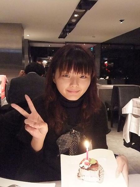 招待壽星的小蛋糕...