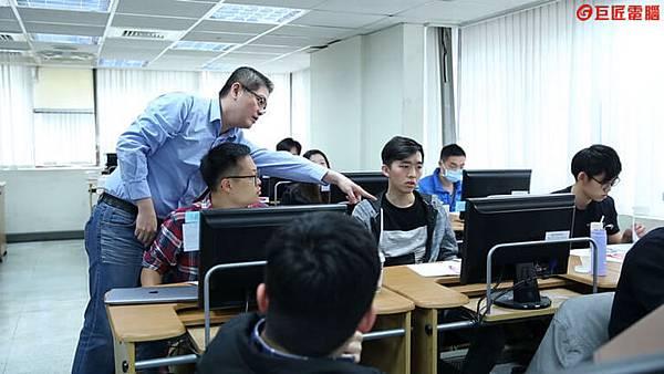 巨匠電腦課程上課情況