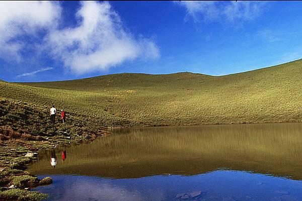 藍天、白雲、嘉明湖