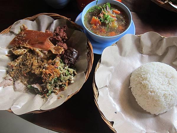 食在烏布-烤豬飯9
