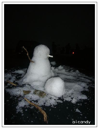路人甲車上抽煙的雪人.JPG
