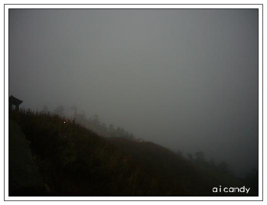 霧濃到爆炸.JPG