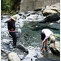 庫哈諾辛山-來測試看看鞋子是不是真的防水.JPG