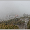 關山嶺山-登頂前的碎石路段.JPG