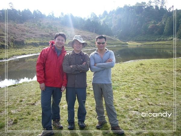 加羅湖-三個陽光中年人.jpg