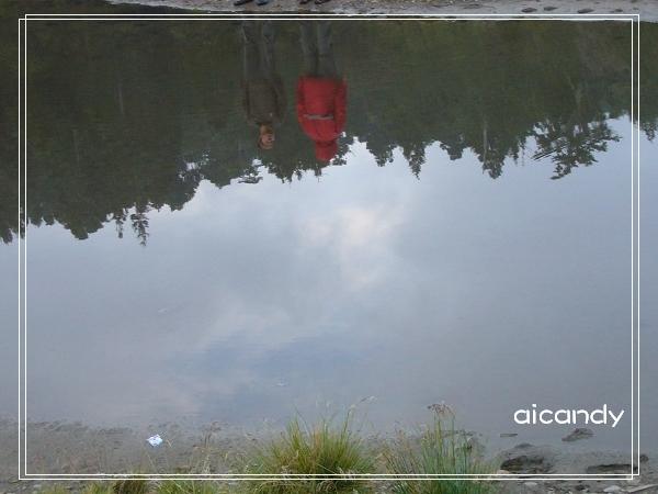 加羅湖-水中倒影.jpg