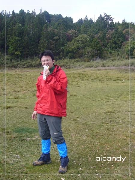 加羅湖-吃飯的男人.jpg