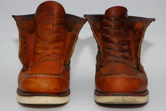 鞋舌比較,洗左腳前