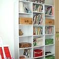 超便宜的落地書櫃