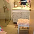 座椅與浴櫃也變合諧囉
