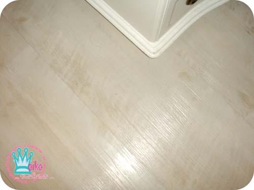 美麗的洗白地板