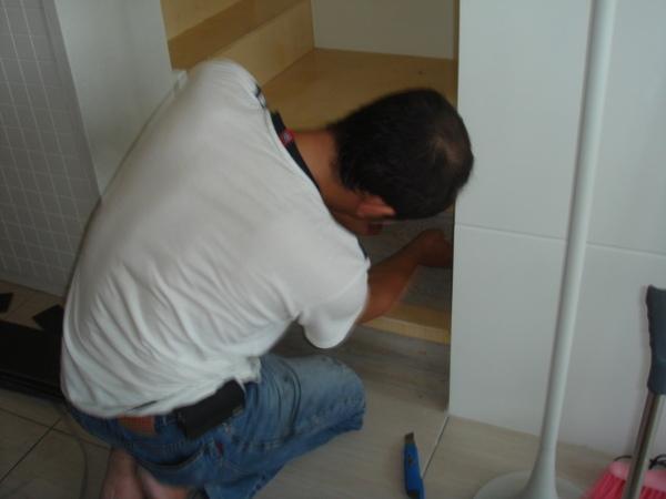 樓梯改造中