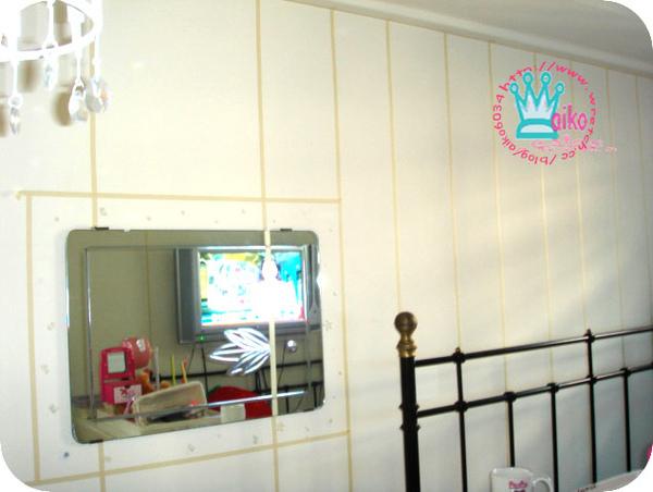粉紅壁紙油漆牆