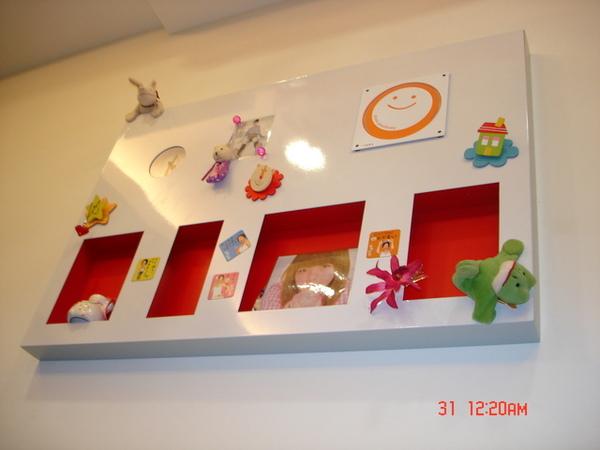 客廳背牆掛板
