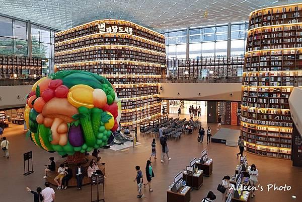 [首爾] 到百貨公司也能當文青.超好拍的COEX MALL星光圖書館