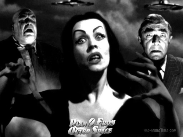 Plan-9-From-Outer-Space-classic-science-fiction-films-3846576-1024-768.jpg