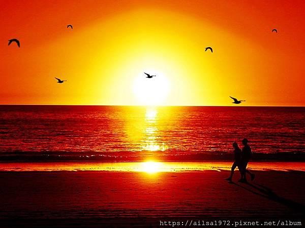 red_sunset_beach.jpg