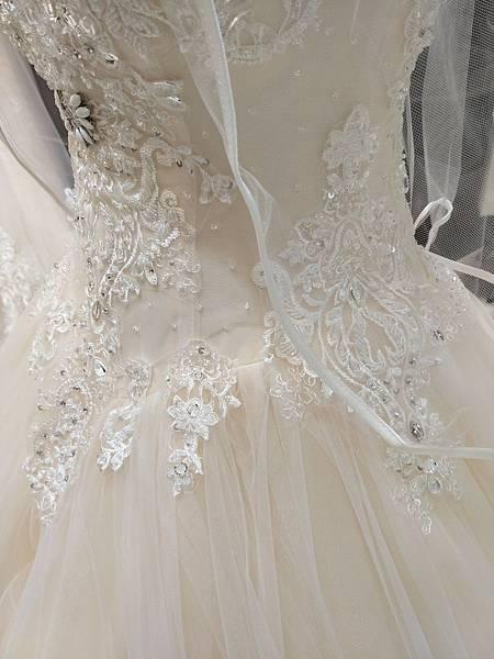 禮服試穿-艾美法式手工婚紗