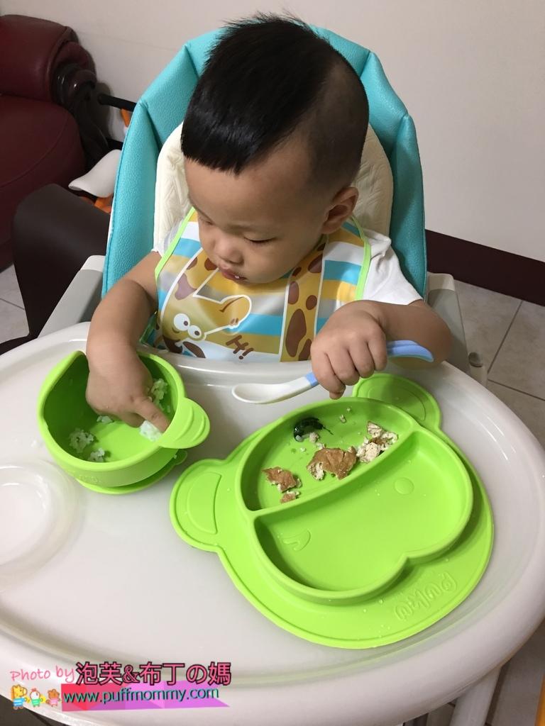 PUKU Egg多功能成長型高腳餐椅&魔吸碗&矽膠防滑餐墊