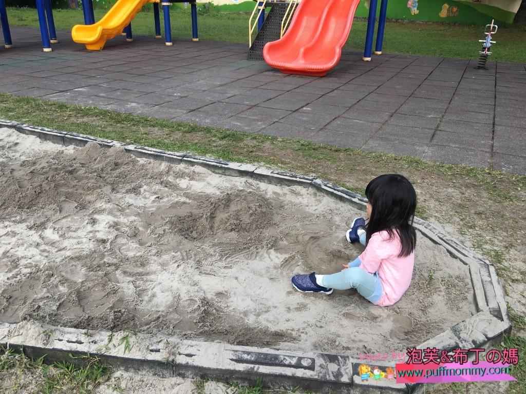 2018/01/25 下午帶泡芙去幼兒園玩沙
