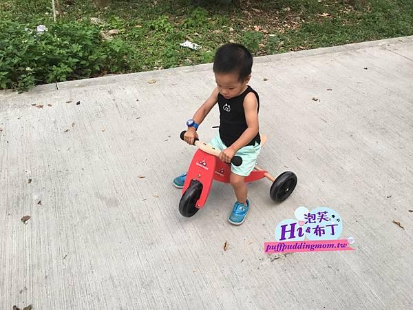 Kinderfeets木製平衡滑步車