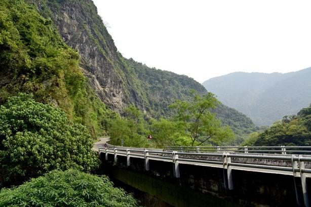 玉里清涼遊—觀南安瀑布、走玉長公路
