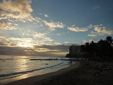 D01-029-Waikiki Beach.JPG