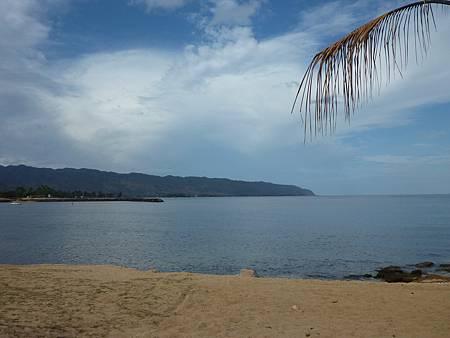 D02-003-Haleiwa Beach.JPG