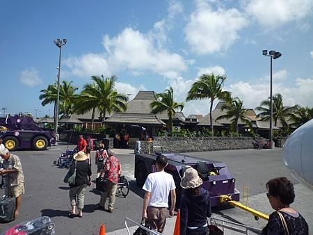 D05-005-Kona Airport.JPG