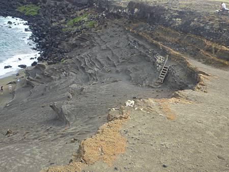 D05-082-Green Sand Beach.JPG