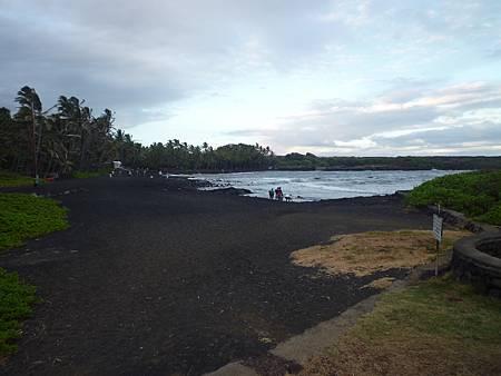 D05-141-Black Sand Beach.JPG