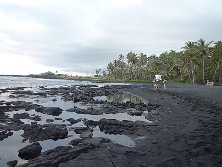 D05-154-Black Sand Beach.JPG