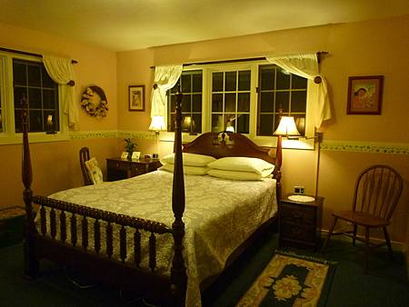 D05-169-At The End of Road B&B.JPG