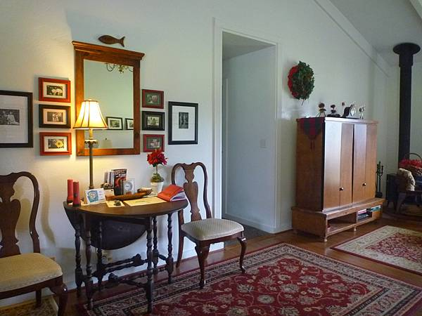 D06-026-At The End of Road B&B.JPG