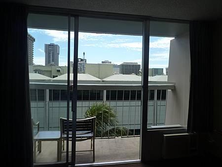 D08-001-Waikiki Gateway Hotel.JPG