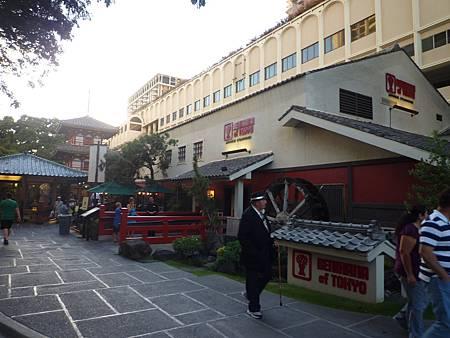 D08-053-Hilton Hawaiian Village.JPG