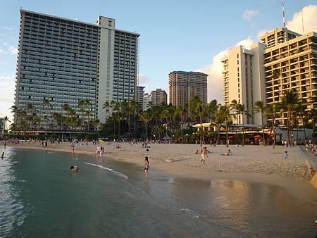 D08-066-Hilton Hawaiian Village.JPG