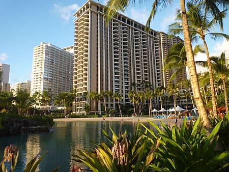 D08-060-Hilton Hawaiian Village.JPG