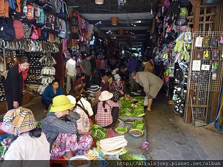 D05-032-Old Market