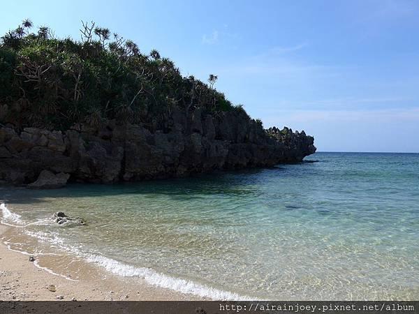 D03-332-古宇利島筒狀空洞地形群海灘