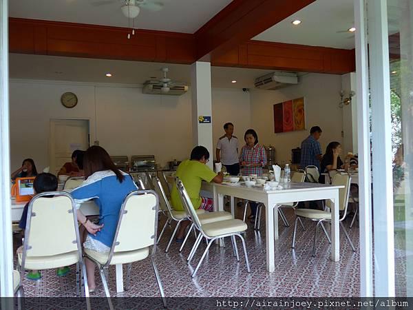 D09-015-Amarin Resort.jpg