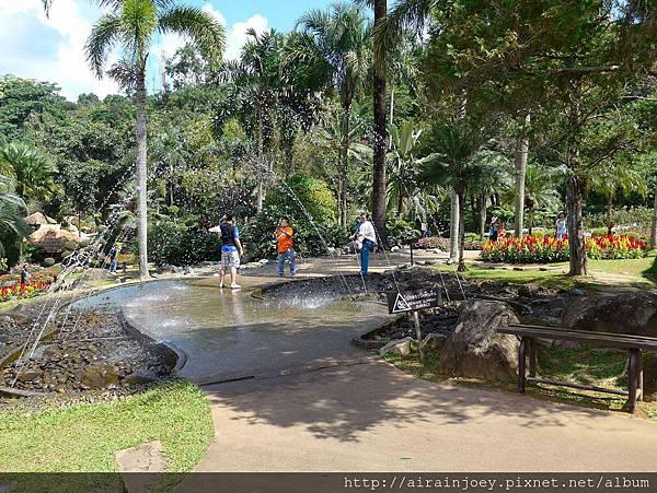 D07-232-Mae Fah Luang Gardens.jpg