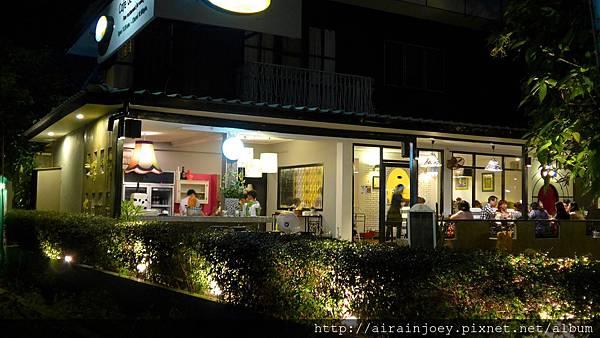 D05-357-Cafe de Nimman.jpg