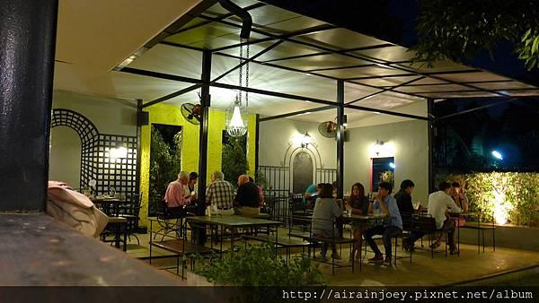 D05-361-Cafe de Nimman.jpg