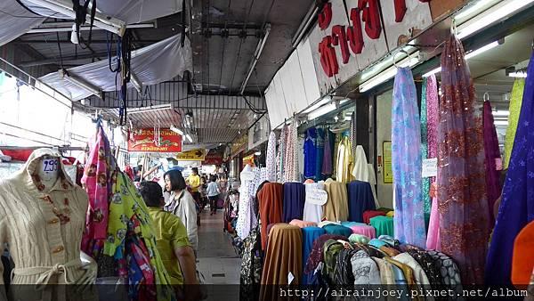 D03-033-瓦洛洛市場.jpg